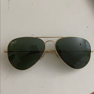 NWOT Ray-Ban Gold Aviators with Case